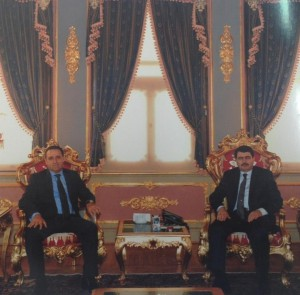 Başkonsolosumuz Sn. Fahri Yönlüer ve Muavin Konsolos Sn. Aslı Erkmen, İstanbul Valisi Sn. Vasip Şahin'e makamında bir ziyaret gerçekleştird (19 Mart 2015)